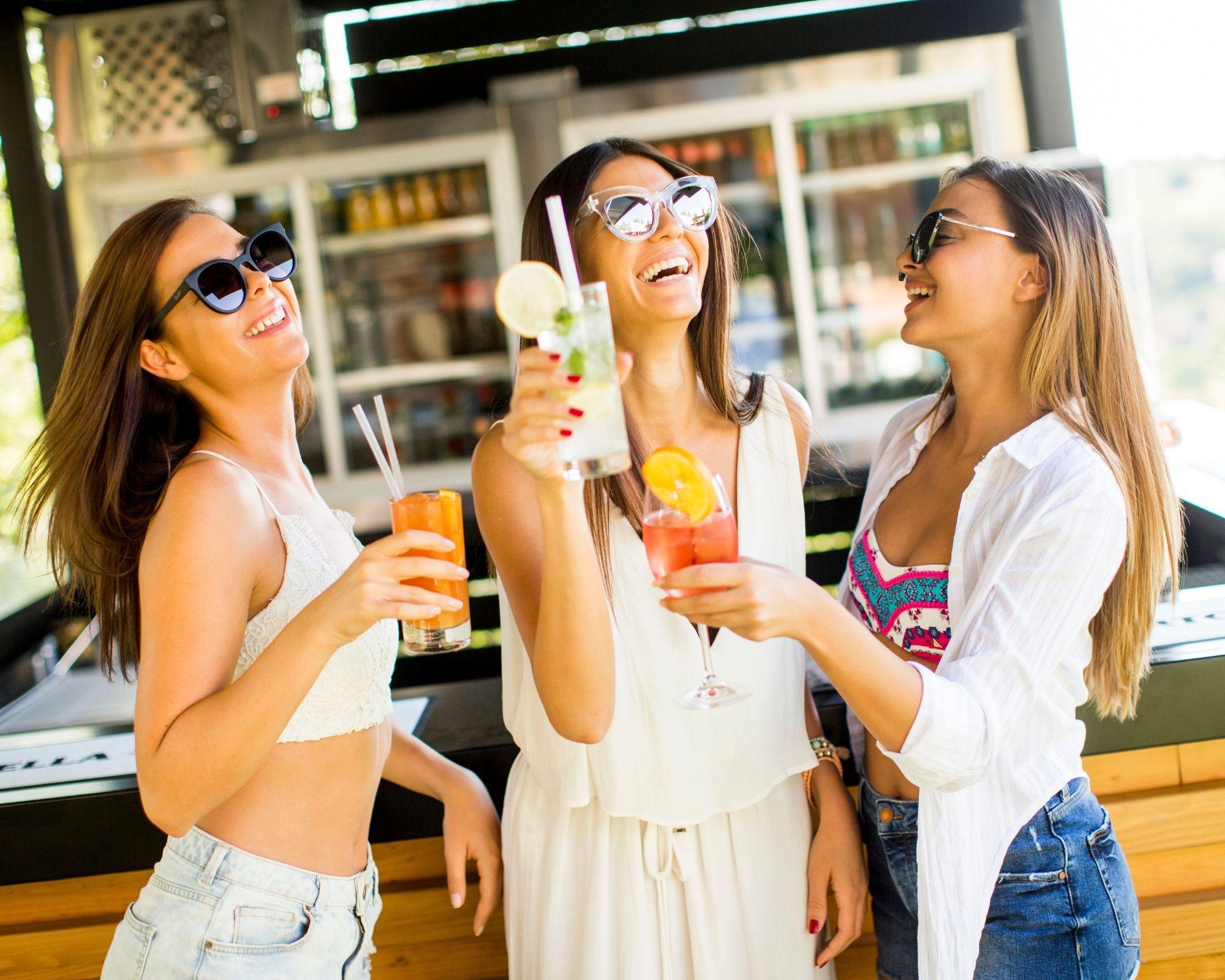 Abbigliamento da cocktail per donna